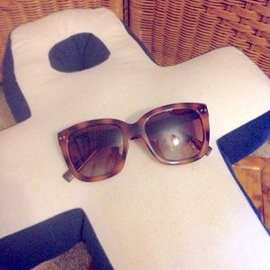 Cole Haan brown tortoise sunglasses VGC EUC frames